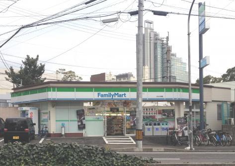 コンビ二:ファミリーマート 北九大西店 417m 近隣
