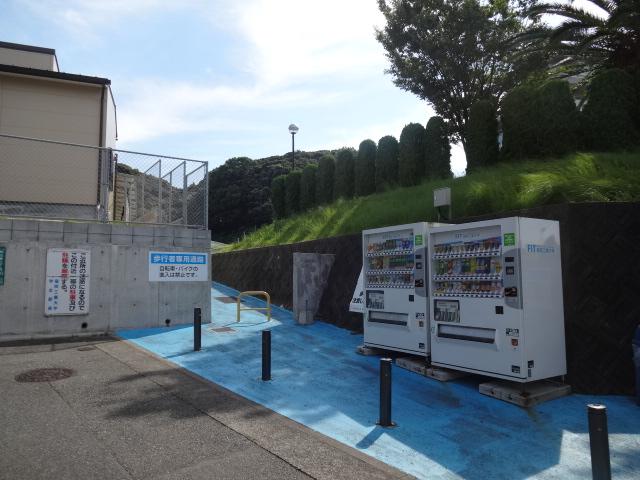 大学・短大:福岡工業大学 A棟入口 773m