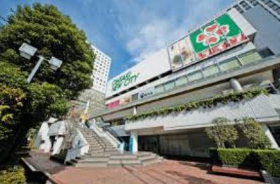 スーパー:ライフ大崎ニューシティ店 900m