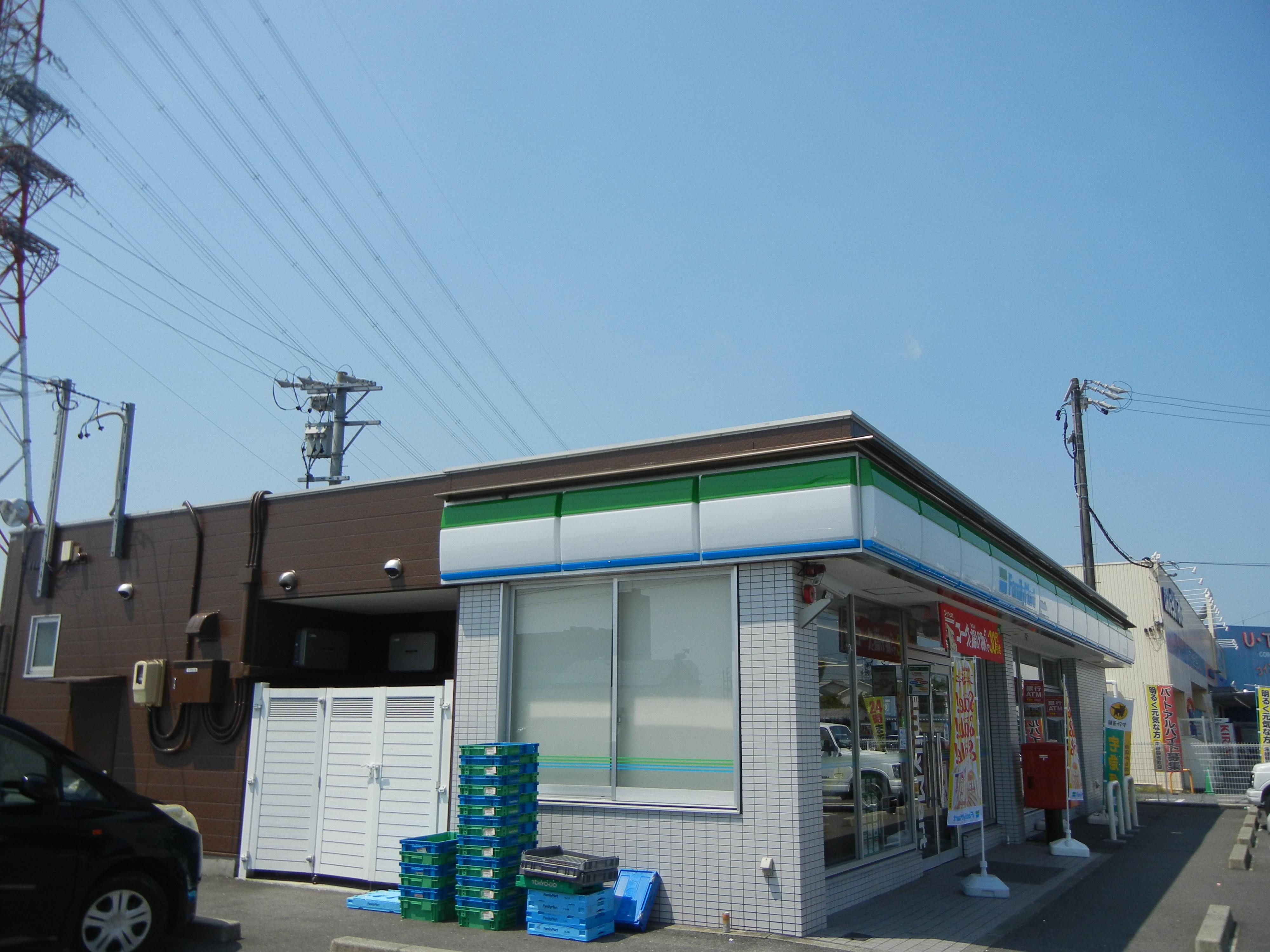 コンビ二:ファミリーマート 岐阜折立店 275m 近隣