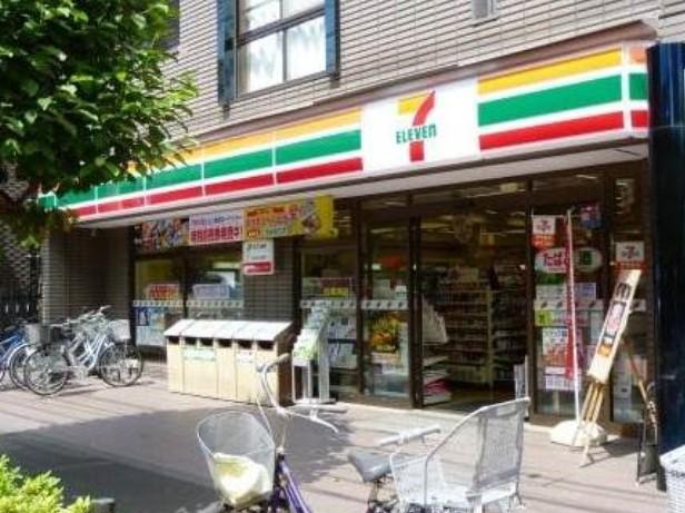 コンビ二:セブンイレブン 世田谷区役所前店 220m