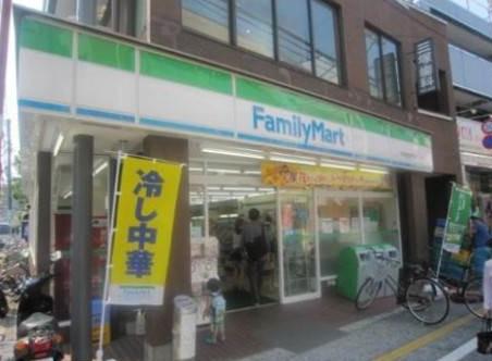 コンビ二:ファミリーマート 松陰神社駅前店 490m