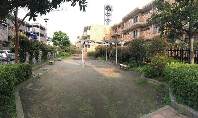 公園:砧五丁目小緑地 929m
