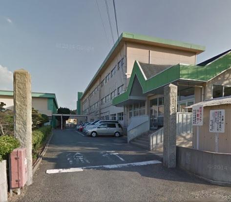小学校:岡垣町立吉木小学校 976m