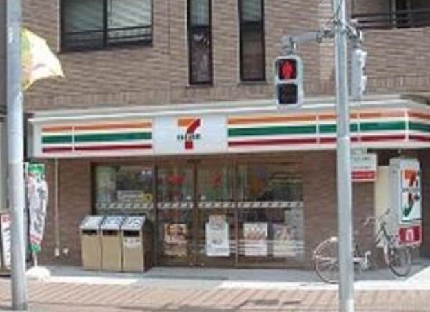 コンビ二:セブンイレブン 世田谷太子堂2丁目店 71m