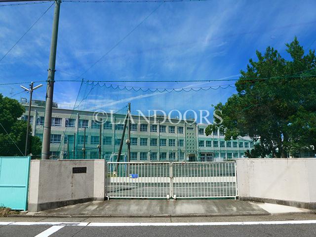 小学校:名古屋市立春岡小学校 319m
