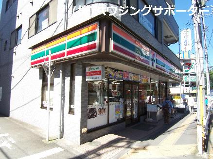 コンビ二:セブンイレブン 八王子高尾駅南口店 667m