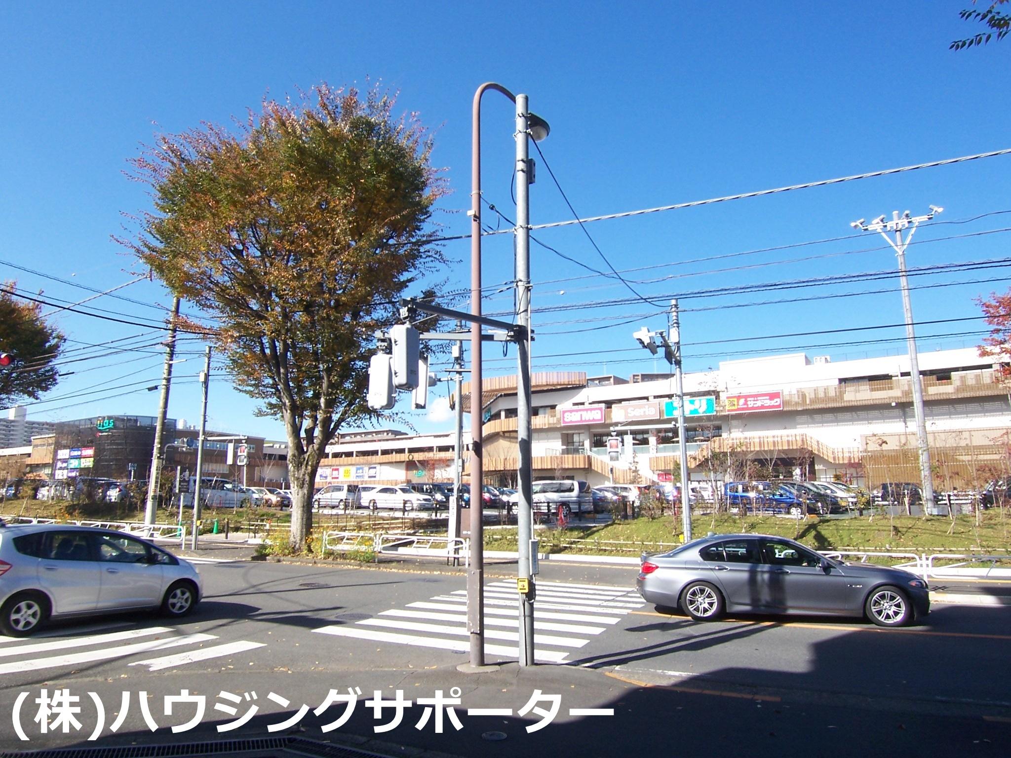ショッピング施設:iias(イーアス) 高尾 985m