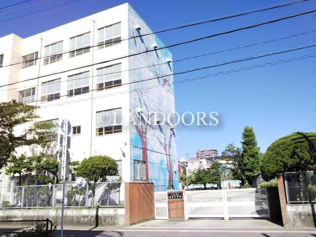 小学校:名古屋市立高見小学校 710m