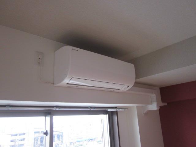 各居室にはエアコン1台完備しております。