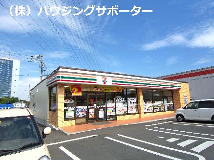 コンビ二:セブンイレブン 八王子高倉南店 266m