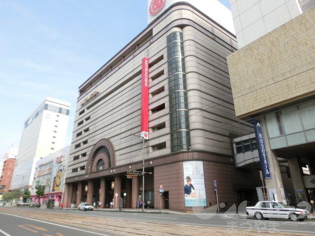 ショッピング施設:松山三越 616m