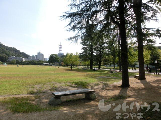 公園:城山公園・堀之内地区 1080m