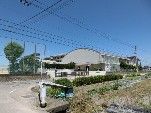 中学校:松山市立久米中学校 2669m