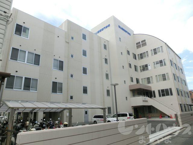 専門学校:松山看護専門学校 857m