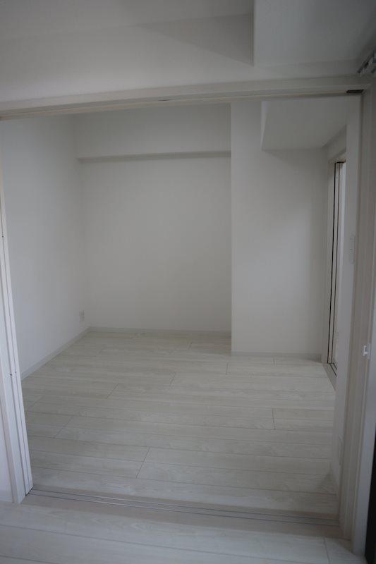 ベランダ側洋室