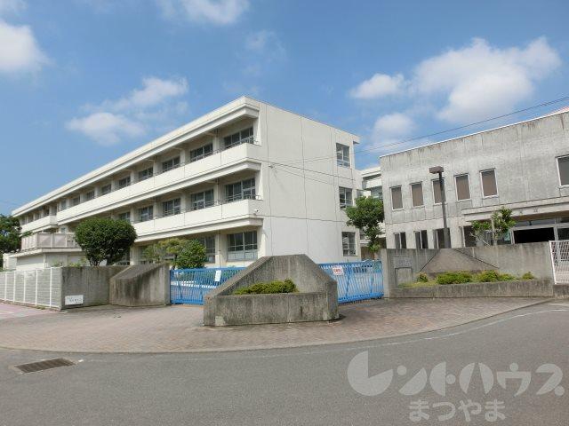 中学校:松山市立椿中学校 741m