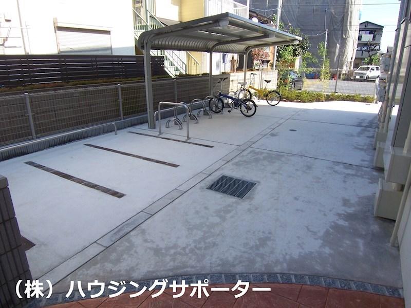 自転車置き場にバイクスペース