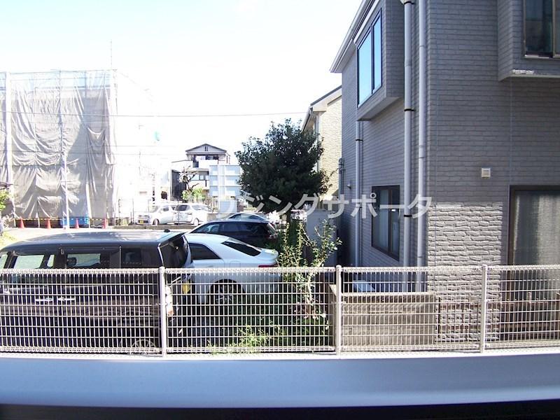 103号室からの眺望です。一つ南の4号室は前面に建物があります。