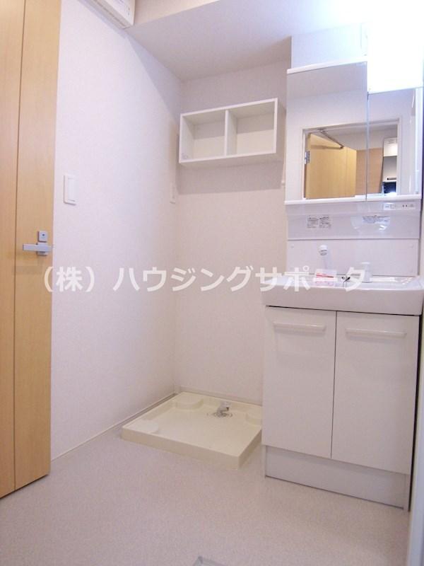 独立洗面台に脱衣室もしっかりあるのは良いですね