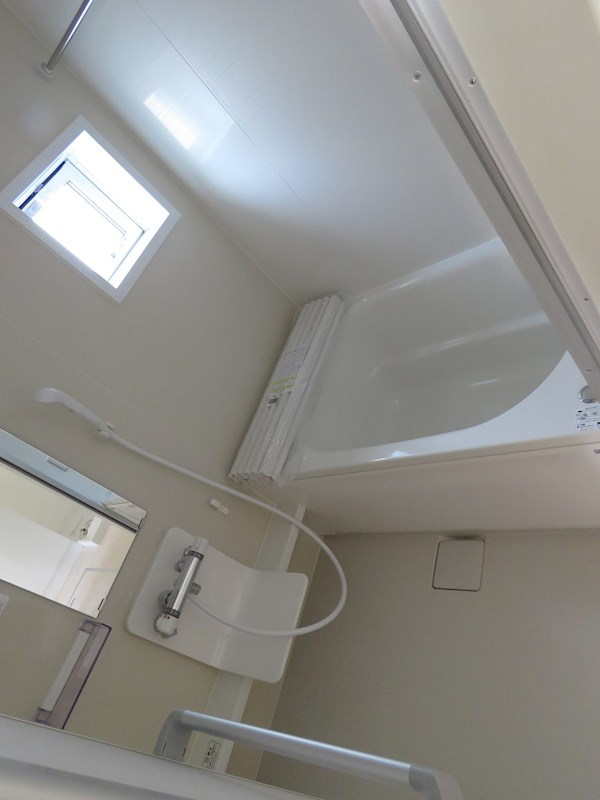 明るくきれいな浴室