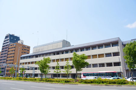 役所:中京区役所 213m