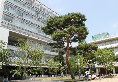 大学・短大:私立成城大学 1033m