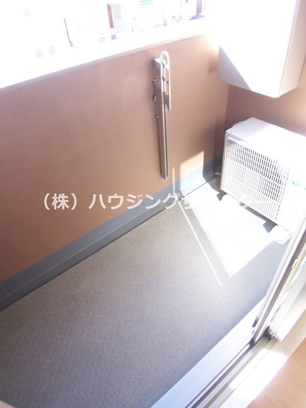 部屋により避難ハッチがあります。ご確認ください