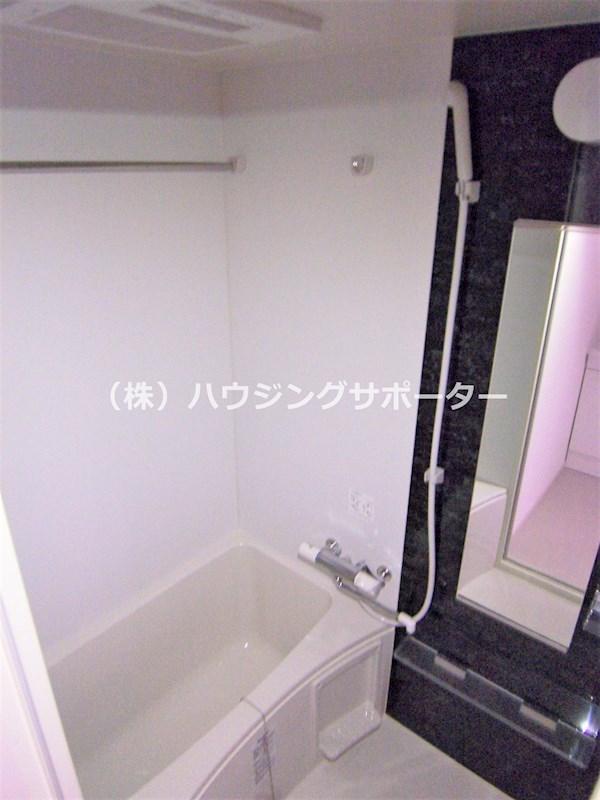 浴室換気乾燥機能あり、追い焚き機能は無です