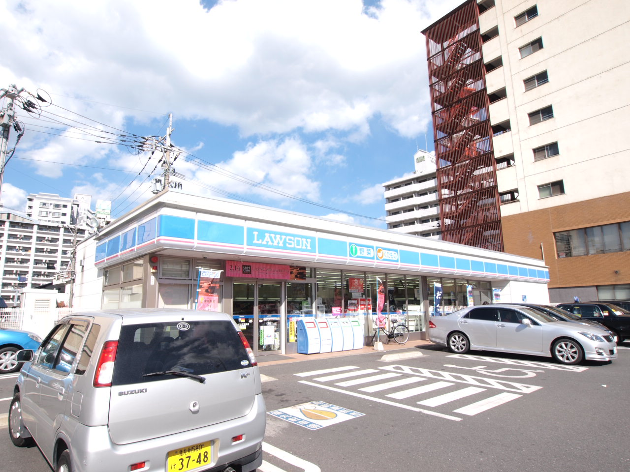 コンビ二:ローソン 小倉江南町西店 39m