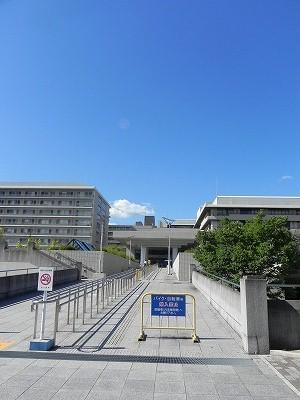 総合病院:京都大学医学部附属病院 1300m