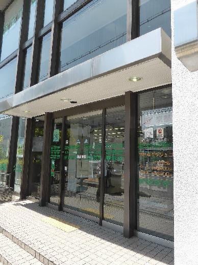 銀行:京都銀行東山支店 669m
