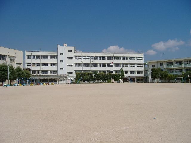 小学校:北九州市立守恒小学校 537m