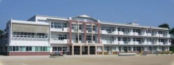 小学校:北九州市立深町小学校 1172m