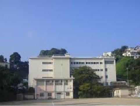 小学校:北九州市立祝町小学校 1282m