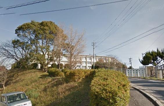中学校:中間市立中間東中学校 1141m