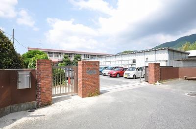 中学校:北九州市立木屋瀬中学校 2813m