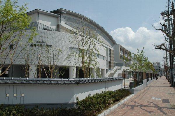 小学校:黒崎中央小学校 907m