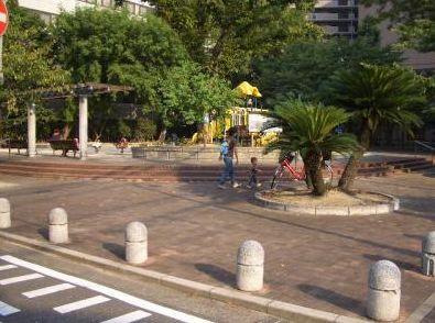 公園:清川公園 744m