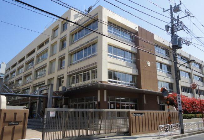 中学校:江東区立深川第三中学校 337m