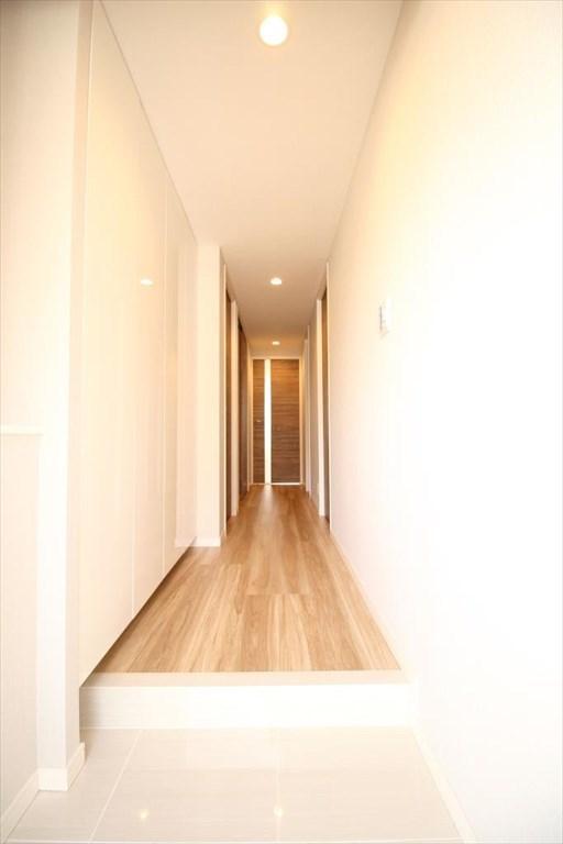玄関前の廊下