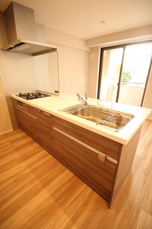 浄水器・食洗器・3口ガラストップコンロつきシステムキッチン