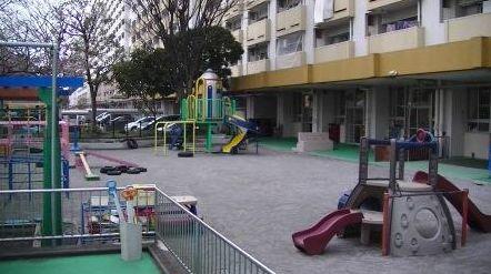 幼稚園:江東区立第三大島幼稚園 438m