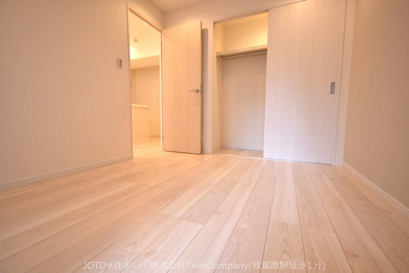 洋室/クローゼット付き。各居室に収納スペースをしっかりと確保。