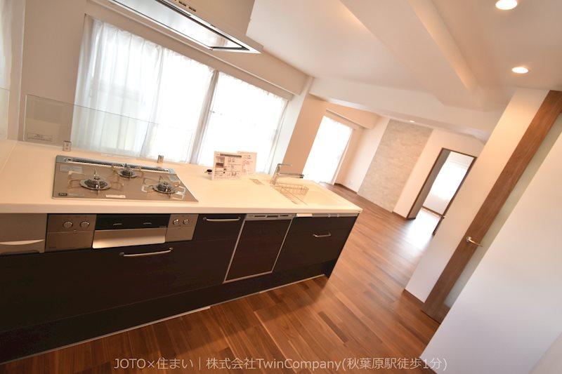 キッチンは家族の絆を育む大切な空間。シンプルで使い易いSystemKitchen☆