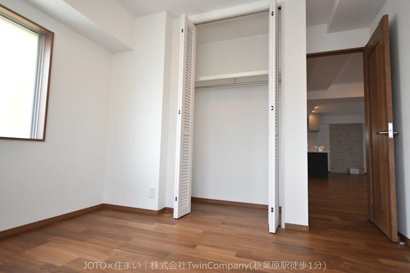 感性を育むプライベートルームはシンプルでスマートな空間。