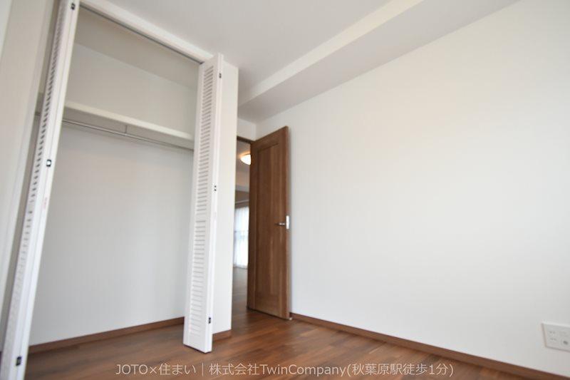 各居室・廊下にはそれぞれ大きな収納があります