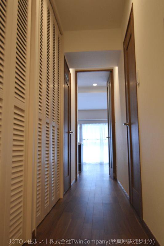 家の顔となる廊下部分、収納部分を多く採用し、スッキリとした広さを確保出来ました