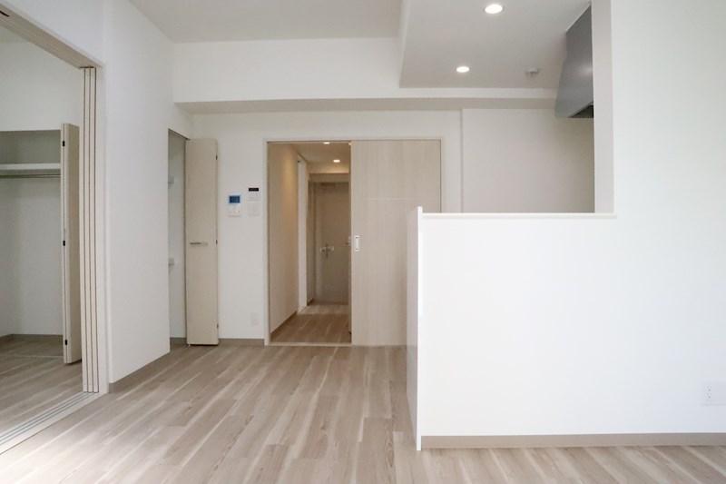間仕切りでお部屋を広く使うも、分けて使うも自由自在です。