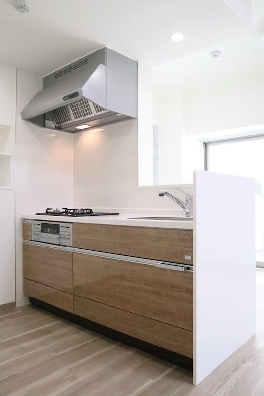 3口ガスコンロシステムキッチンはお料理好きの方必見です。